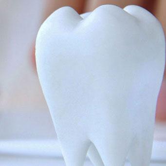 Имплантация зубов в медцентре НОРМА-XXI.